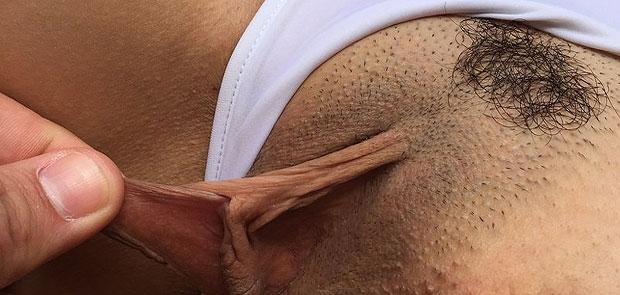 Los LABIOS del COÑO de mi Mujer con su MINITANGUITA - FOTOS